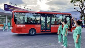 Thứ trưởng Bộ Y tế Nguyễn Trường Sơn: Không được lơ là, chủ quan trong tình hình mới