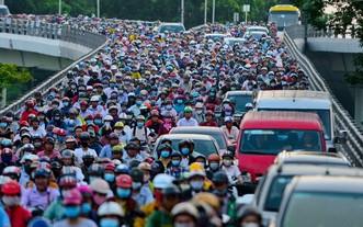 舊邑郡阮泰山高架橋經常出現堵塞情況。(圖源:互聯網)