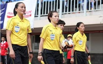 裴氏秋莊(中)和張氏麗貞(左)。(圖源:互聯網)
