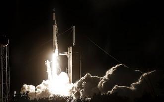 圖為獵鷹9號火箭4月23日發射成功。(圖源:SpaceX)