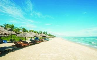 安龐是全球百個最美的海灘之一。
