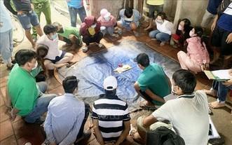 職能力量當場捉獲13名賭徒。(圖源:VOV)