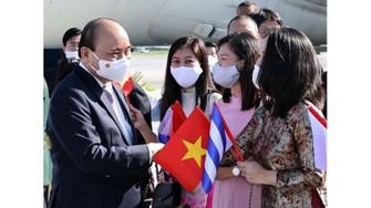 Sáng 18-9 (theo giờ địa phương), Chủ tịch nước Nguyễn Xuân Phúc  và đoàn đại biểu cấp cao Việt Nam đến Cuba bắt đầu chuyến thăm chính thức. Ảnh: TTXVN
