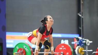 Lực sĩ Vương Thị Huyền thi đấu ởha5ng cân 49kg nữ không phải sở trường.