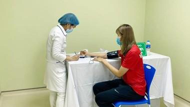 VĐV tiêm vaccine Covid-19, đảm bảo đủ điều kiện trước khi tham dự các giải đấu quốc tế.