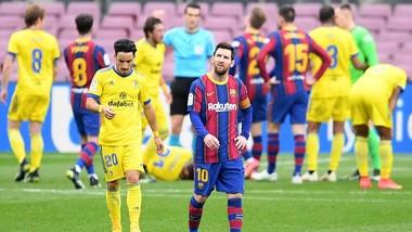 Lionel Messi vẫn thấy nỗ lực của mình bị phí hoài. Ảnh: Getty Images