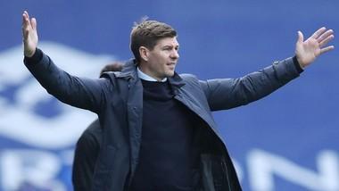Steven Gerrard dẫn dắt Rangers đến chức vô địch Scotland đầu tiên sau 10 năm. Ảnh: Getty Images