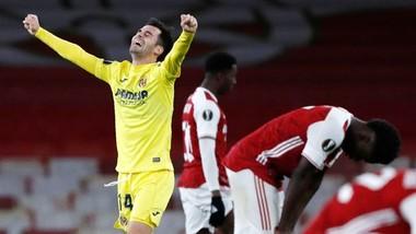 Villarreal ăn mừng trước sự bất lực của chủ nhà Arsenal. Ảnh: Getty Images