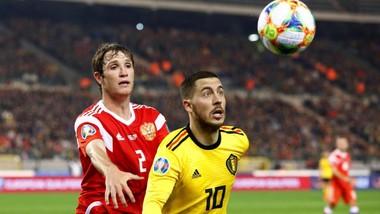 Eden Hazard có lẽ chỉ ra sân từ băng dự bị