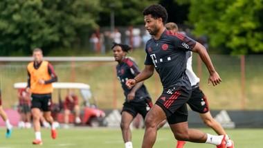 Bayern sẽ có thêm thời gian rèn quân trước mùa giải