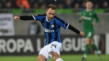 Christian Eriken không được phép chơi ở Italy
