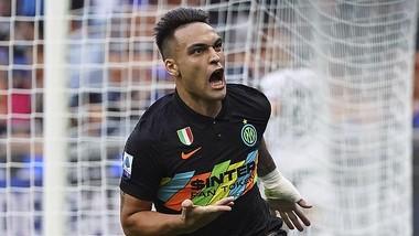 Lautaro Martinez ăn mừng bàn thắng