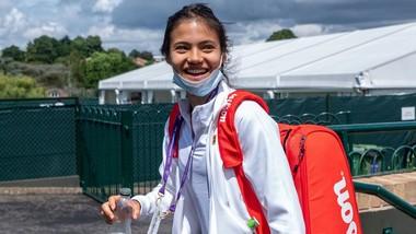 Emma Raducanu là thương hiệu mới của làng quần vợt thế giới