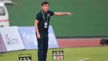 HLV Phan Thanh Hùng bất ngờ xin nghỉ phép. Ảnh: BFC