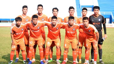 Đội hình Đà Nẵng tham dự giải hạng Nhì 2021. Ảnh: TỊNH ĐẾ