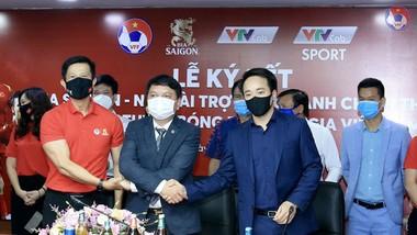 Đại diện VFF, Sabeco và VTVcab tại lễ ký kết