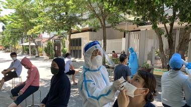 Xét nghiệm ở khu vực quận Cẩm Lệ (Đà Nẵng)