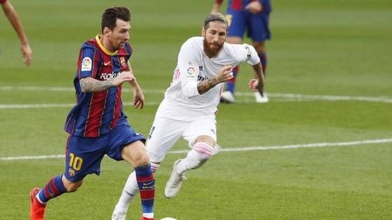 El Clasico mùa này sẽ vắng mặt cùng lúc 2 huyền thoại kình địch Lionel Messi và Sergio Ramos.