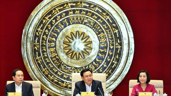 Chủ tịch Quốc hội Vương Đình Huệ chủ trì phiên họp với Ban Công tác đại biểu thuộc UBTVQH. Ảnh: QUANG PHÚC