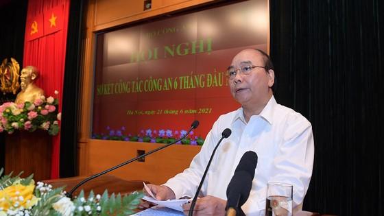 Chủ tịch nước Nguyễn Xuân Phúc: Lực lượng công an phải lo cho cuộc sống bình yên của người dân