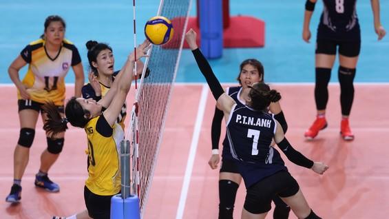 Than Quảng Ninh (trái) có trận đấu rất ấn tượng trước nhà đương kim vô địch Bộ Tư lệnh. Ảnh: DŨNG PHƯƠNG