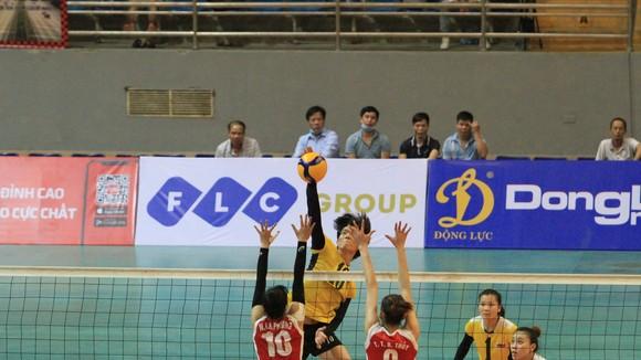 Bích Tuyền không thể giúp đội bóng Ninh Bình vào chung kết. Ảnh: PHÚC NGUYỄN