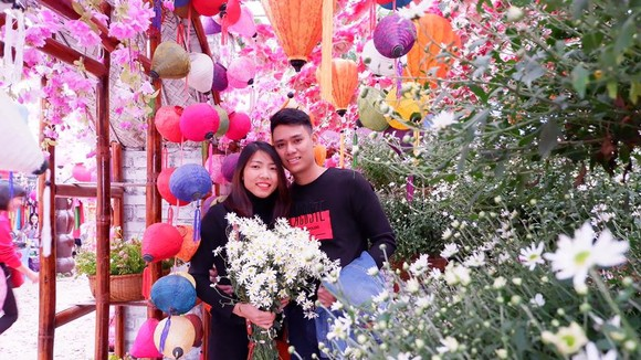 Nhà vô địchj Asiad Bùi Thị Thu Thảo và chồng. Ảnh: NVCC