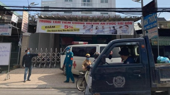 Các cơ quan chức năng phong tỏa Phòng khám đa khoa An Phúc Sài Gòn