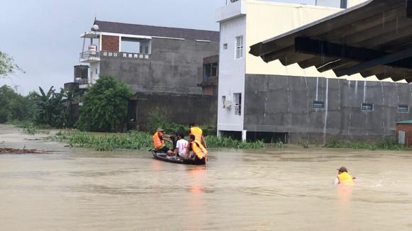 Quảng Ngãi: Tìm thấy thi thể người dân bị nước cuốn trôi sông Phước Giang