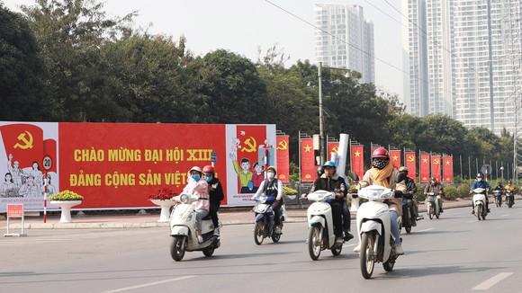 Hà Nội trang hoàng đường phố chào mừng Đại hội lần thứ XIII của Đảng