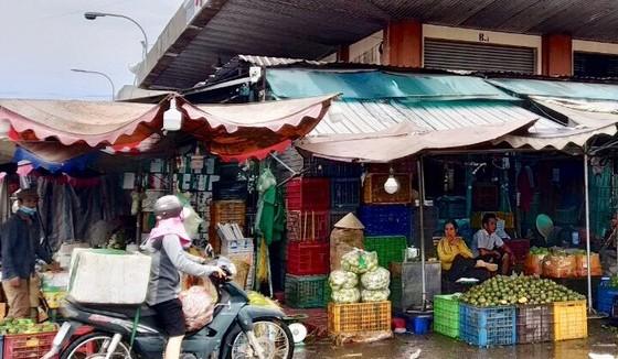 Một góc chợ đầu mối nông sản thực phẩm Hóc Môn. Ảnh tư liệu trước khi thực hiện giãn cách