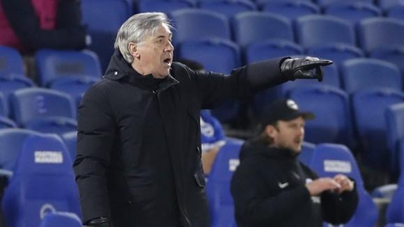 HLV Carlo Ancelotti bắt đầu e ngại nguy cơ lỡ tốp 4. Ảnh: Getty Images