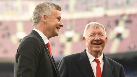 Sir Alex Ferguson cũng từng có những tư vấn hữu ích cho Ole Gunnar Solskjaer. Ảnh: Getty Images