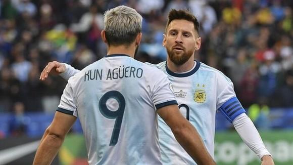 Lionel Messi và Sergio Aguero hy vọng cuối cùng có thể mang về một danh hiệu cho La Albiceleste.