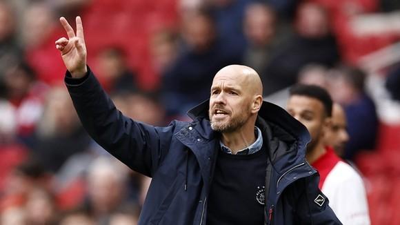 Erik ten Hag được cho từ chối trở thành HLV hưởng lương cao thứ 3 tại Premier League.