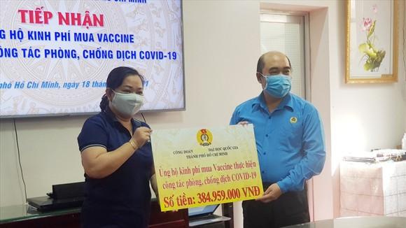 Công đoàn ĐH Quốc gia TPHCM góp 385 triệu đồng mua vaccine Covid-19