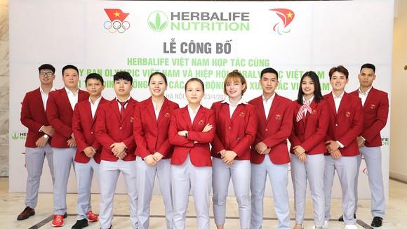 Herbalife Việt Nam ký kết thỏa thuận với VOC và VPA tài trợ sản phẩm dinh dưỡng giai đoạn 2021-2022 cho 150 vận động viên Việt Nam xuất sắc