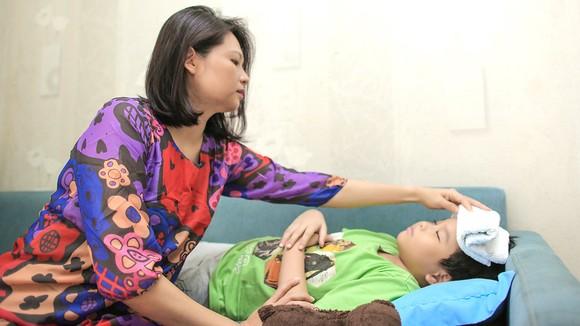 Luôn chuẩn bị đầy đủ để chăm sóc sức khỏe cho con trẻ ngay tại nhà. Ảnh: DŨNG PHƯƠNG