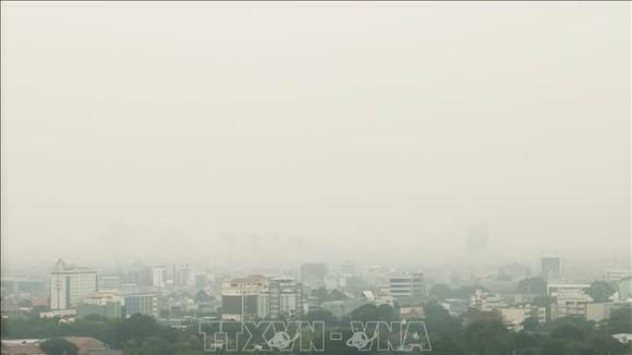Không khí ô nhiễm bao trùm thủ đô Jakarta, Indonesia. Ảnh tư liệu: TTXVN