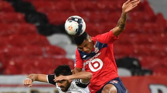 Lille bỏ lỡ cơ hội bứt xa PSG