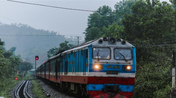 Đoàn tàu của Tổng công ty Đường sắt Việt Nam. (Ảnh: Minh Sơn/Vietnam+)