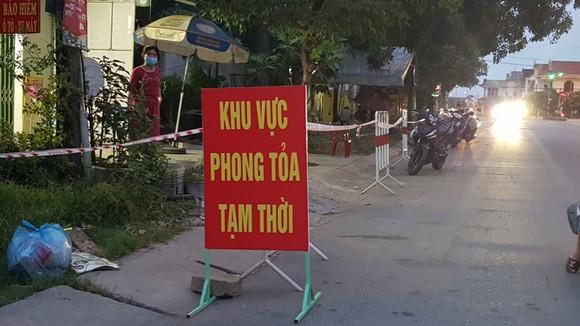 Khu vực lân cận số nhà 282 Quốc lộ 9 thuộc Khu phố 6, Phường 3, TP.Đông Hà (Quảng Trị) bị phong tỏa từ đêm 10.5