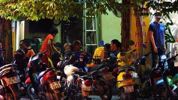 Các quán bia, bia hơi sẽ tạm dừng hoạt động để phòng chống dịch bệnh. (Ảnh: Minh Sơn/Vietnam+)