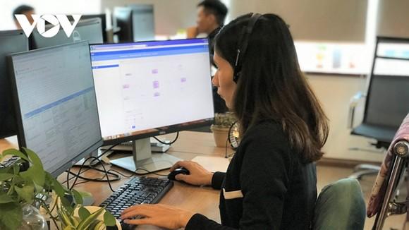 Việt Nam vẫn còn thiếu hành lang pháp lý cho các doanh nghiệp hoạt động trong lĩnh vực công nghệ mới của cách mạng công nghiệp 4.0 như blockchain, trí tuệ nhân tạo