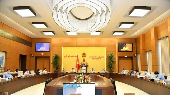 Quang cảnh phiên họp thứ 58, phiên họp cuối cùng của UBTVQH khoá XIV