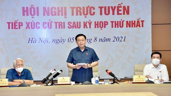 Chủ tịch Quốc hội Vương Đình Huệ tại cuộc tiếp xúc trực tuyến với cử tri thành phố Hải Phòng, sáng 5-8