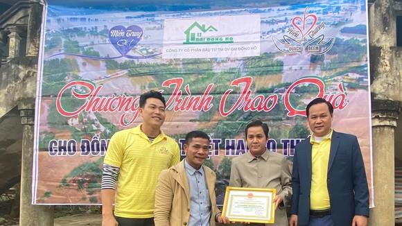 Lãnh đạo Công ty Đại Đông Hồ cùng những người bạn đã có chuyến đi thiện nguyện tại miền Trung