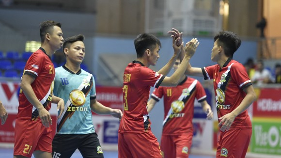 Niềm vui của các cầu thủ Zetbit Sài Gòn