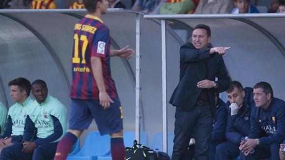 Eusebio Sacristan trong thời gian làm trợ lý HLV ở Barca dưới thời của Frank Rijkaard