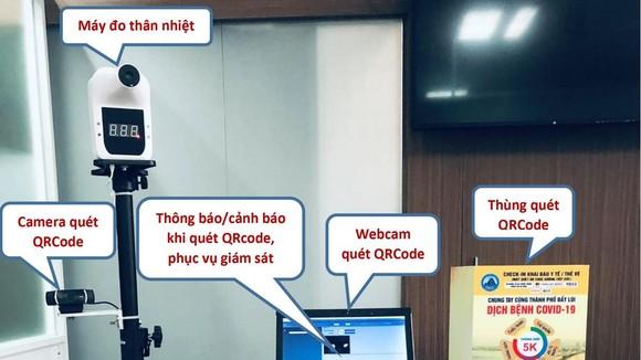 Mô hình sử dụng Thùng quét QRCode, camera quét QRCode và máy đo thân nhiệt kết nối, tích hợp vào 1 máy tính. Ảnh: Sở TT-TT TP Đà Nẵng